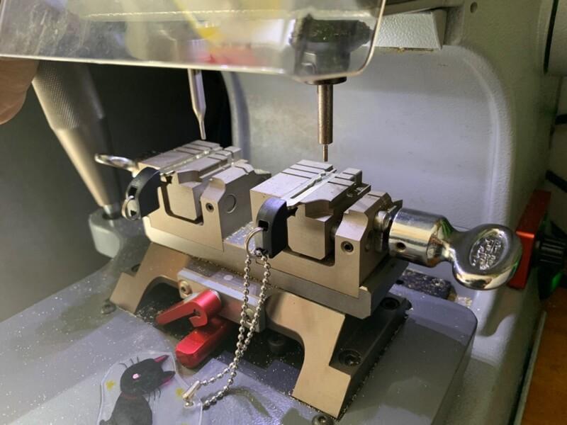 プリウスのスマートキー作ります 広島鍵屋アドロック