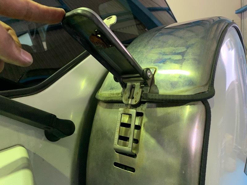 タイヤカバー鍵作製